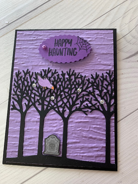 Halloween greeting card idea using Stampin' Up! Banner Year Stamp Set and Inspiring Canopy Dies