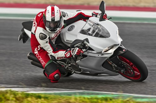 Review Ducati Panigale 959
