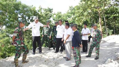Pembangunan Desa, Bupati Barru Bersama Dandim Tinjau Rintisan Jalan di Palakka