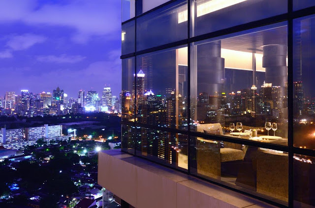 AETAS lumpini is a contemporary hotel in the Bangkok business district, opposite the green expanse of Lumpini Park. The hotel offers guests exquisitely decorated and furnished rooms supported by a staff and management dedicated to making your stay in Bangkok both productive and memorable.
