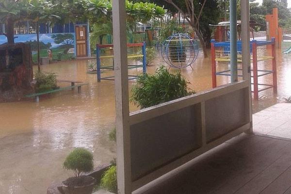 Halaman TK St Gema Terendam Banjir