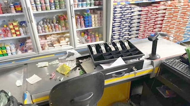 Ladrões arrobam supermercado e furtam várias mercadorias, no ato sertão da PB
