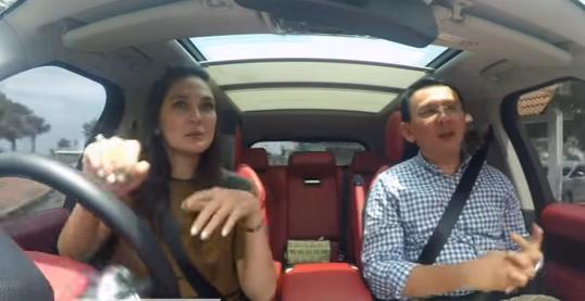 Di Dalam Mobil, Luna Maya Keluhkan Udara Jakarta Buruk
