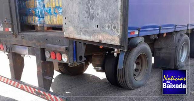 PRF apreende caminhão adulterado na Via Dutra, na Baixada