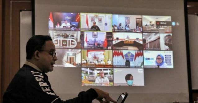 Positif COVID-19, Gubernur Anies Tetap Bekerja secara Virtual