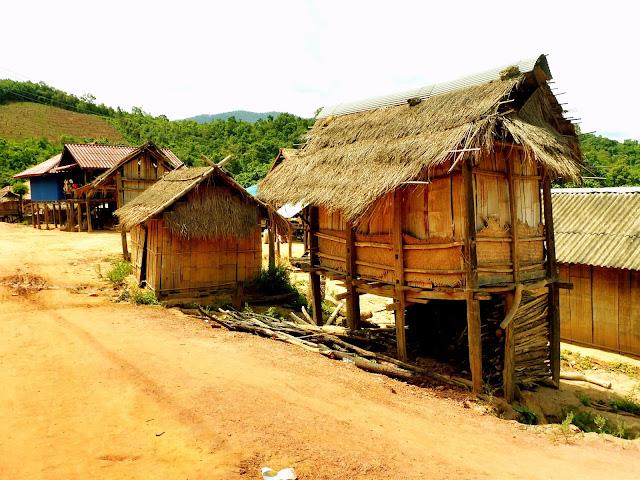 poblado laos
