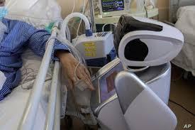 Robot Pudú ofrece terapia psicológica a pacientes hospitalizados por coronavirus