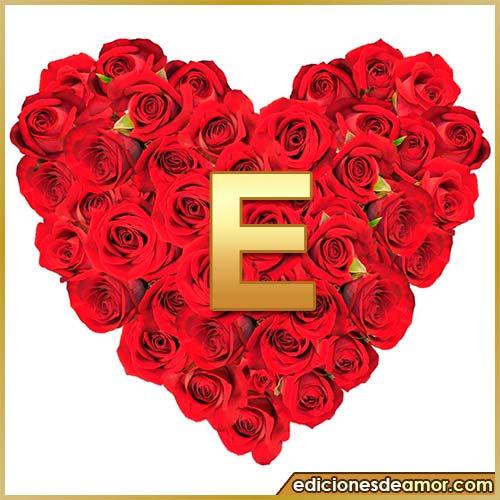 corazón de rosas con letra E