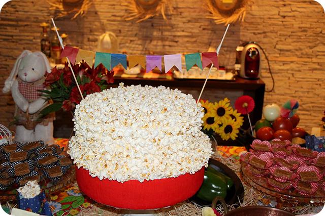 Decoração de Festa Caipira - Junina : Bolo de Pipoca