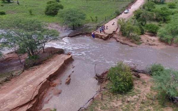 Defesa civil informou que nesta quarta-feira (3), a chuva deu uma trégua a população