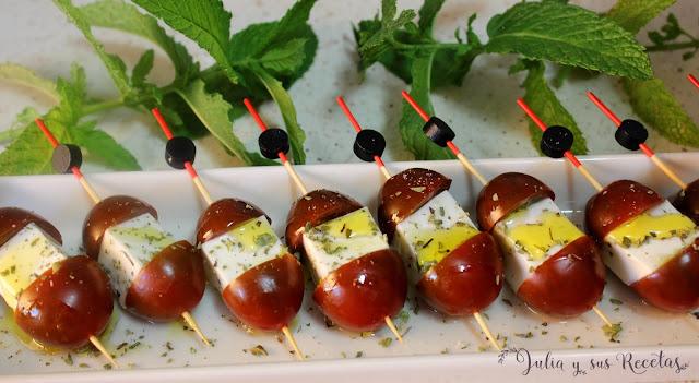 Brochetas de tomate con queso fresco