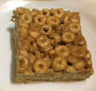 No bake peanut butter cereal bars, easy 3 ingredient cereal bars, no bake peanut butter cheerio bars, easy 3 ingredient peanut butter cheerio bars