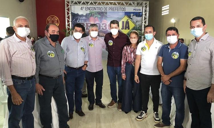 Prefeito de Ituaçu participa do 4º Encontro de Prefeitos da BR-030 em Mirante