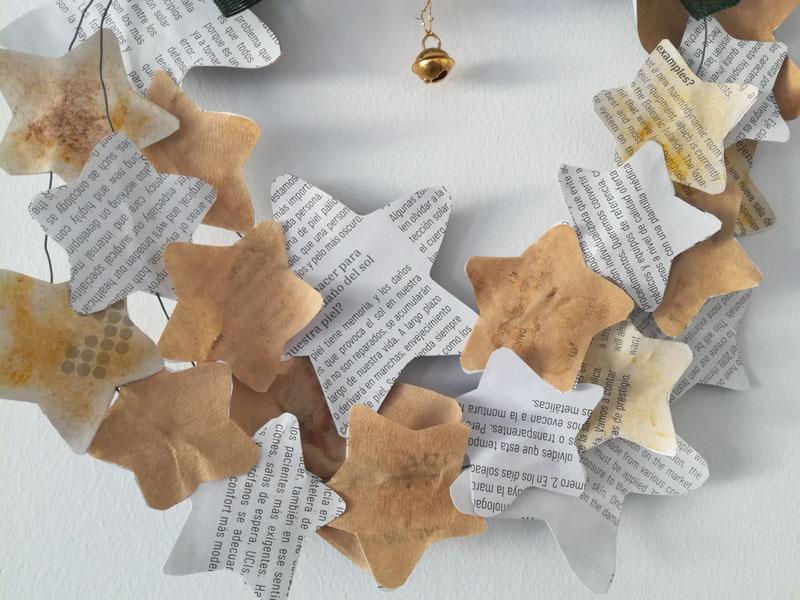 Foto: Ghirlanda di Natale con stelle di carta