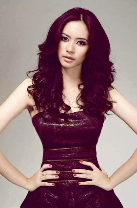 Elvira Devinamira Miss Universe Indonesia 2014 | venuscurves
