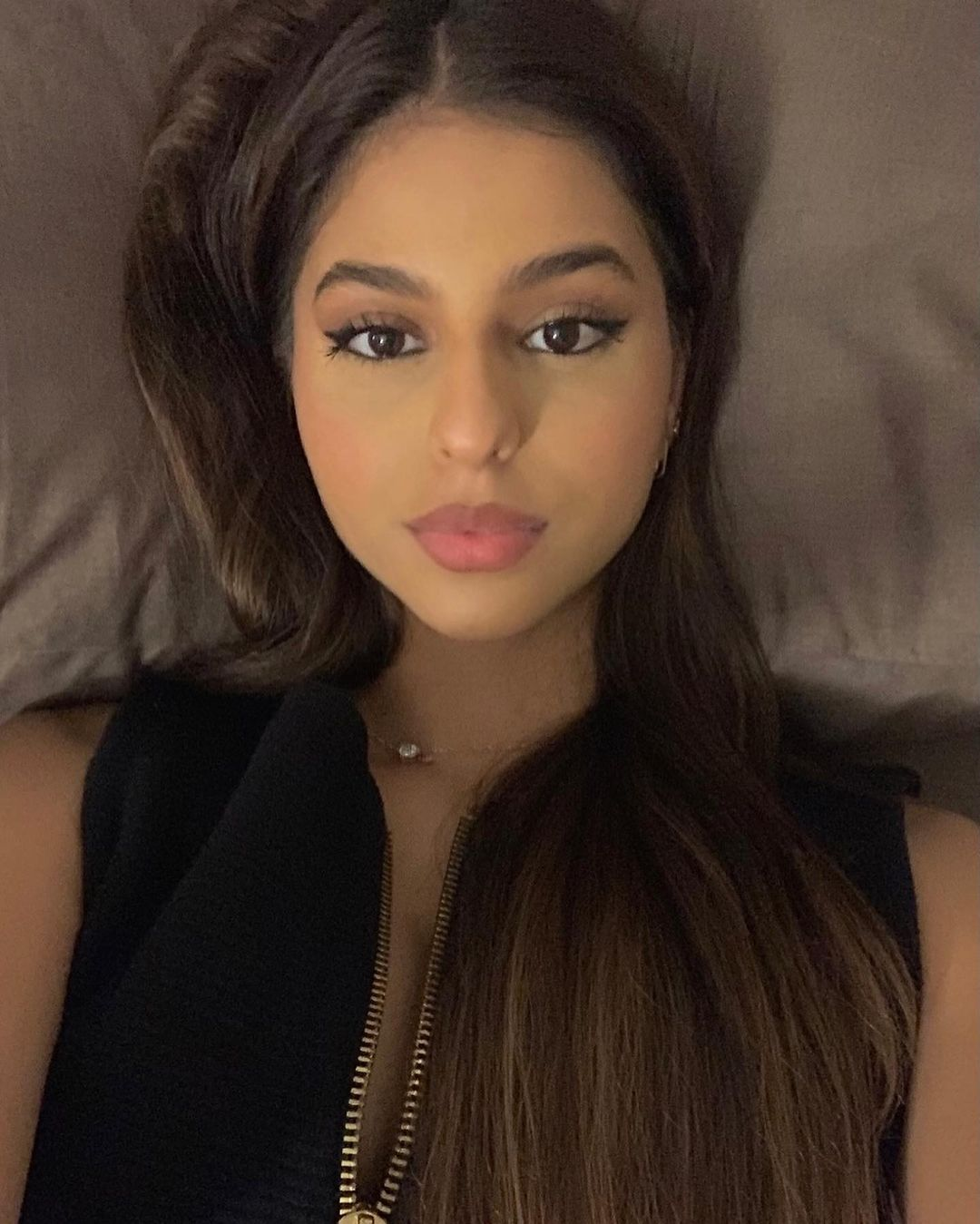 Beauty Looks: Suhana Khan posts new selfies asking if she looks sort of a grown-up see Amitabh Bachchan granddaughter Navya reply