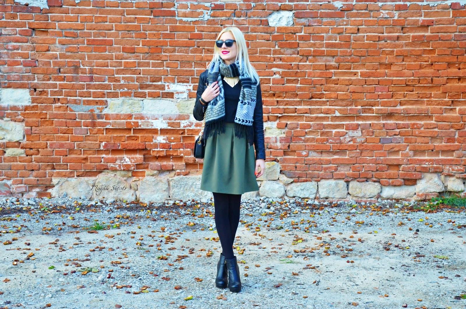 cb3905151c Mimo to nawet w takie dni uwielbiam nosić spódnice. Na szczęście Gabriella  uzupełniła nasze zasoby rajstop dlatego zimna jesień nam nie straszna  ).
