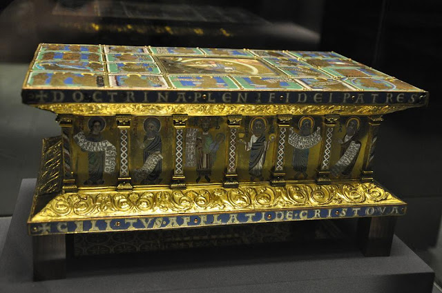 ołtarz podróżny z XII wieku