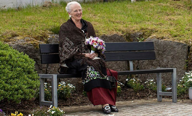 Queen visited the spinning mill Snældan, which is the only spinning mill in the Faroe Islands
