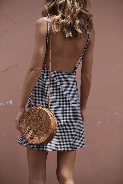 wiklinowa torebka okrągła z wzorem