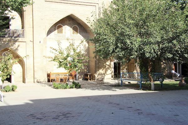 Ouzbékistan, Tachkent, médersa Abdul Kassim, tapshan, tapchane, © L. Gigout, 2012