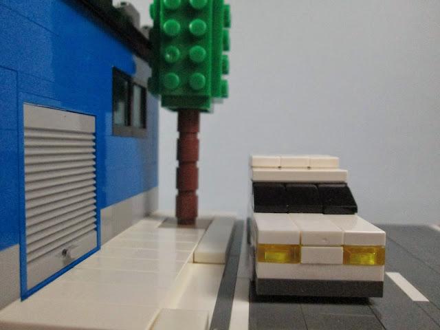 MOC LEGO Carrinha e armazém