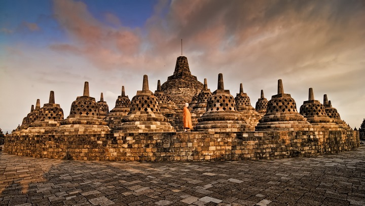 Mengunjungi Borobudur dan Lokasi Wisata Lain di Jawa tengah