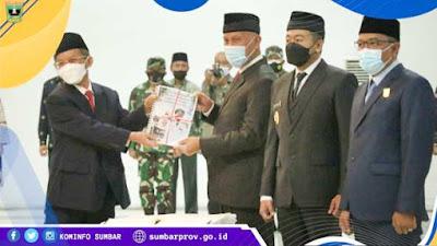 Sertijab Gubernur Sumbar, Mahyeldi: Kita Mulai Pembangunan dengan Bismillah!