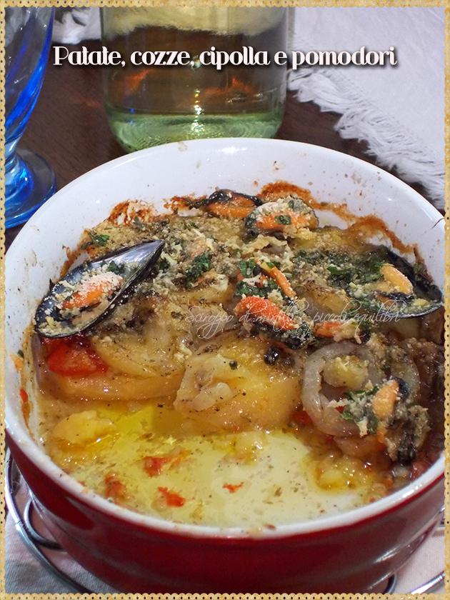 Patate, pomodori, cipolla e cozze al forno
