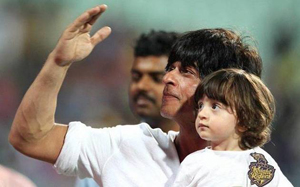 Shah Rukh Khan, Biography, Profile, Biodata, Family , Wife, Son, Daughter, Father, Mother, Children, Marriage Photos.