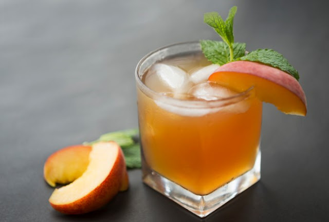 Peach Bourbon Arnold Palmer #drinks #alcohol