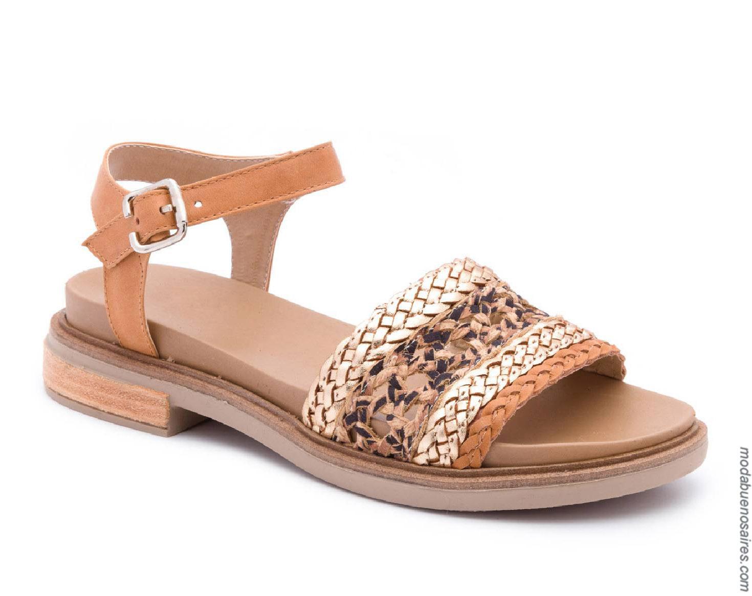 Moda sandalias primavera verano 2020. Moda calzados primavera verano 2020.