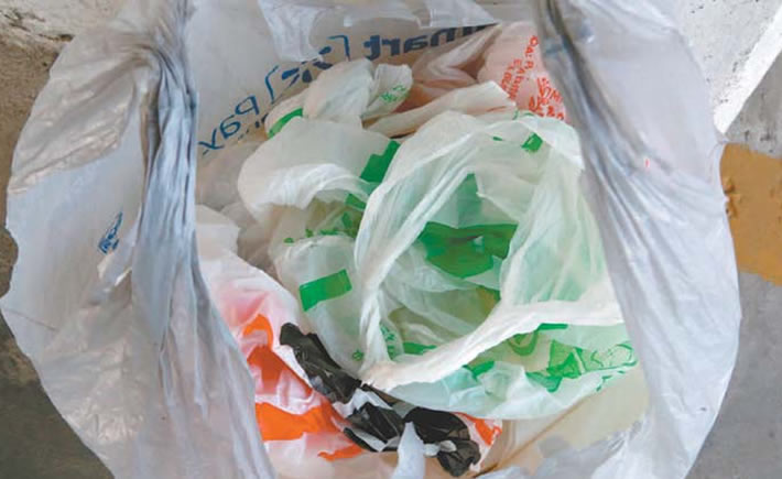 En México, al día de hoy, la industria del plástico ha enfrentado 46 iniciativas encaminadas a prohibir o limitar el uso de popotes, bolsas de plástico y envases desechables. (Foto: Milenio)