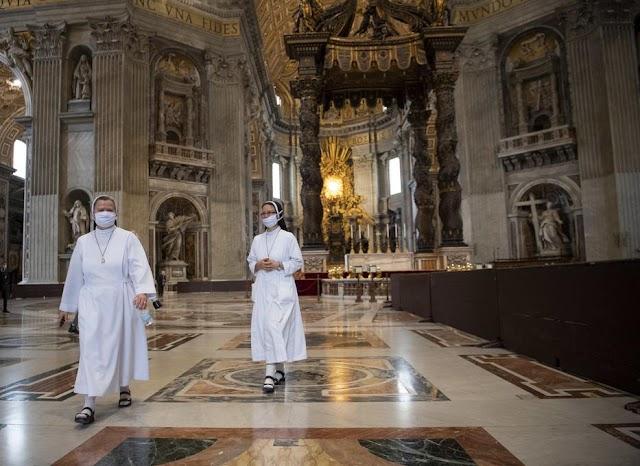 Koronavírus: újraindult az élet a Vatikánban is