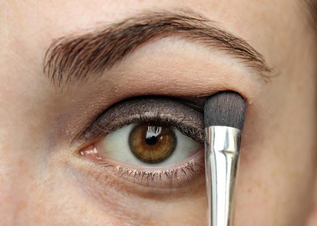 twenties make-up: step 2