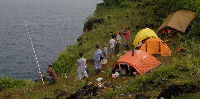camping-pantai-parangracuk