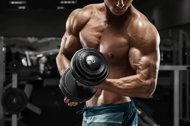 تمرين عضلة الباى بالدمبل