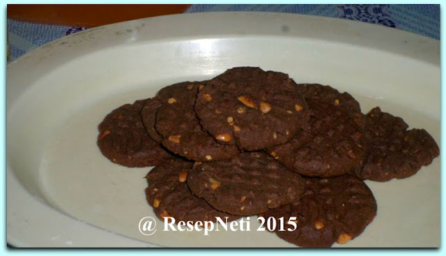 Peanut Chocolate Biscuit Recipe at kusNeti kitchen 2015