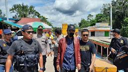 HOAKS atau FAKTA: Ustadz Abdul Somad Diciduk Kepolisian Berpakaian Preman, UAS Terlihat Santai