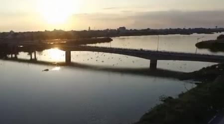 Hoàng hôn bên cầu Hòa Phú- Lê Thanh Hùng