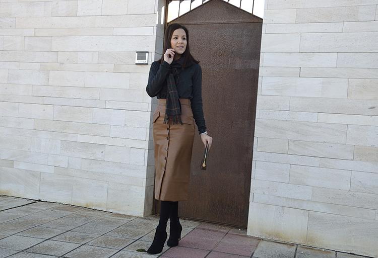 falda_cuero_piel_look_fashion_ootd_trends_gallery