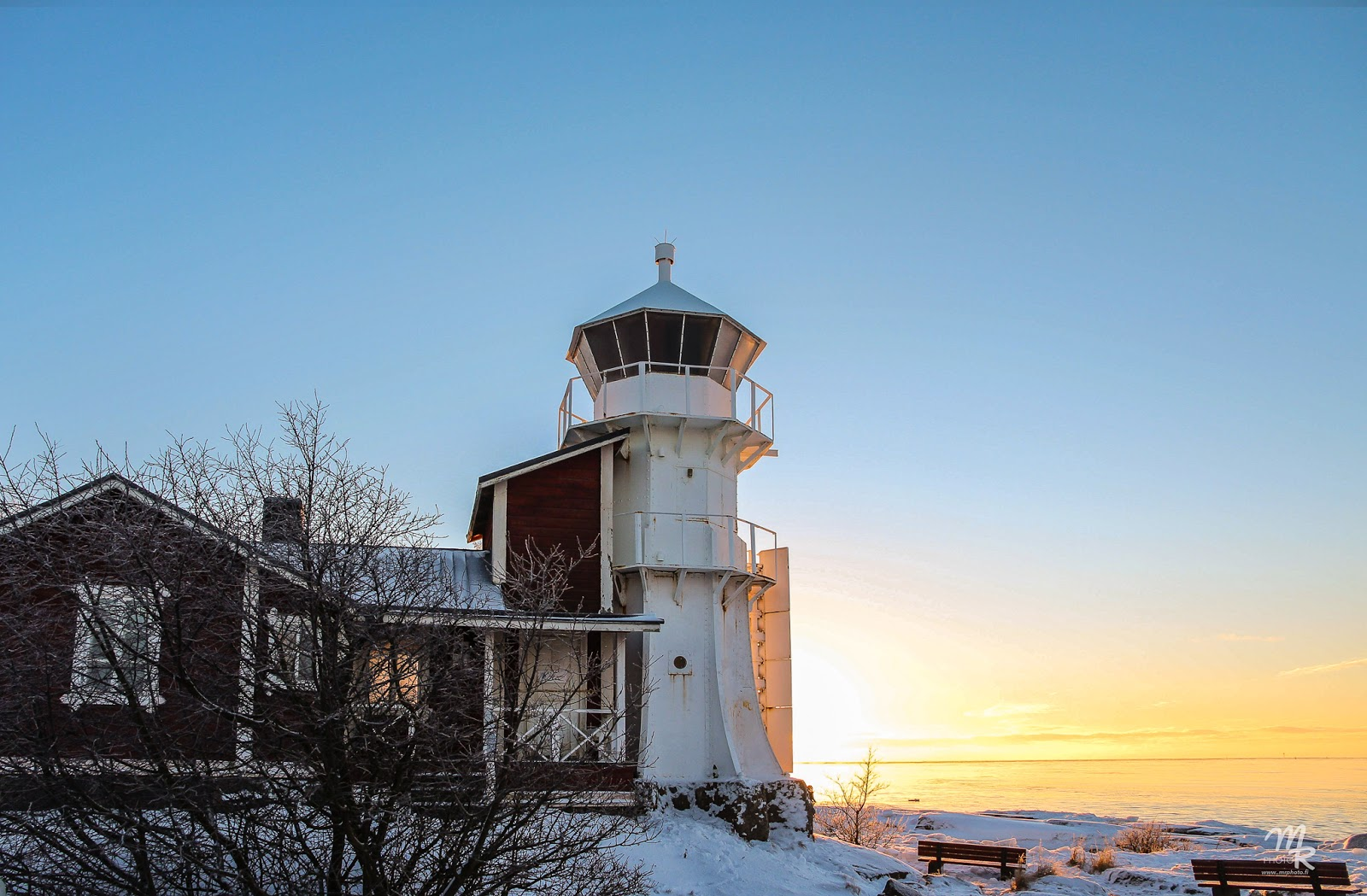 Talvinen auringonlasku Kallossa