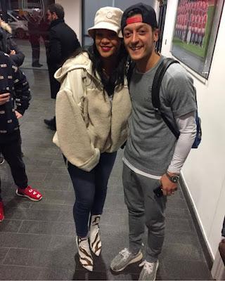 Rihanna menjadi sosok spesial bagi Oezil