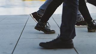 sepatu jaman sekarang