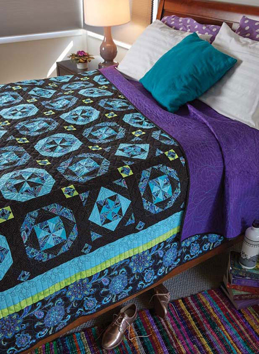 I Fall to Pieces Quilt designed by Angie Millgan for Quilting Daily, made by Rita Swain, machine quilted by Lisa Beeso
