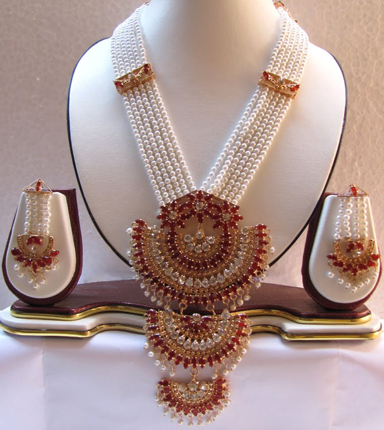 Elegance Of Living Indian Pearl Necklace Designs