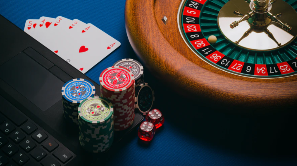 Things to consider for playing online casino