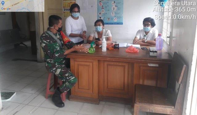 Pendataan Susfect di Puskesmas, Personel Jajaran Kodim 0207/Simalungun Diwilayah Binaan