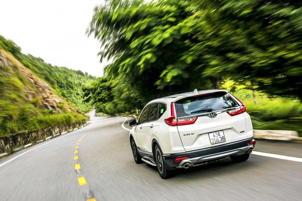 """Honda CR-V: """"Chạy"""" mạnh, lái """"chất"""""""