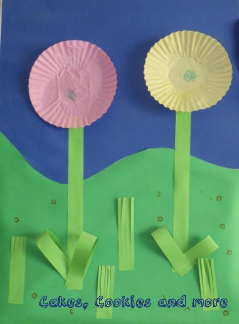 Blumen aus Papierförmchen